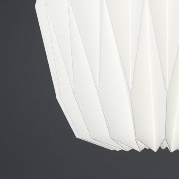 Detailansicht von Haengeleuchte / Pendelleuchte Akkordeon beleuchtet von Nachtfalter