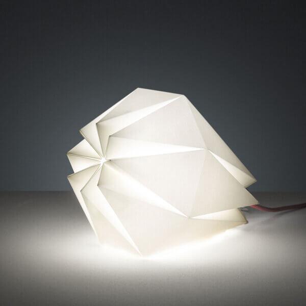 Tischleuchte / Haengeleuchte Diamant liegend beleuchtet