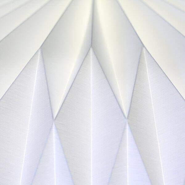Detailansicht von Haengeleuchte / Pendelleuchte Linse groß unbeleuchtet von Nachtfalter