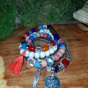 vierteiliges Armband mit bunten Perlen I Love you und Anhänger Engelflügel und Quaste