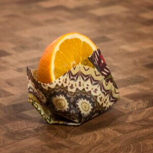 Orange in Wachstuch