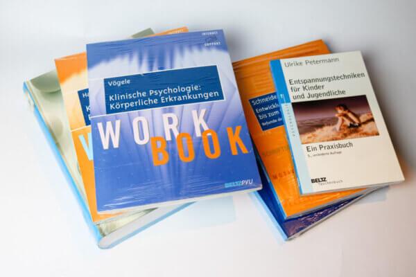 Überraschungspaket Psychologiebücher