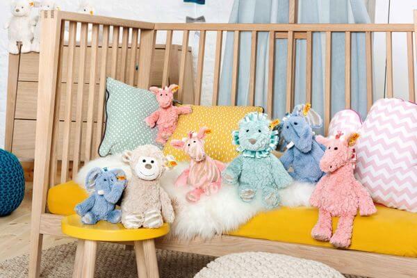 soft cuddly friends giselle giraffe 068126