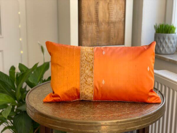 Sarikissen orange scaled